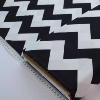 Photography of Riley Blake - Mega Chevron - Black
