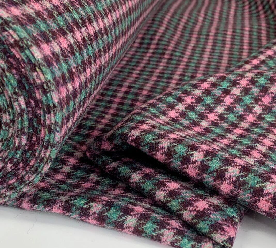 Yaarkshire - Delicious - pink and turquoise check - Roll