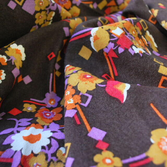Vintage fabric_Jean_brown floral_cu