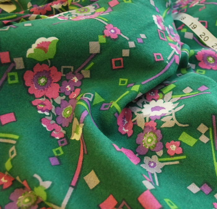 Vintage fabric Peggy green floral cu