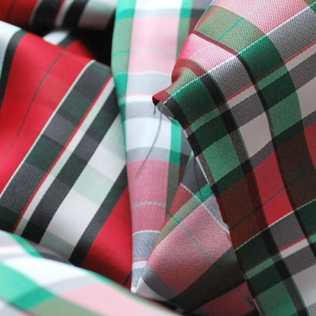Reversible Check lining_Green & Red_close up