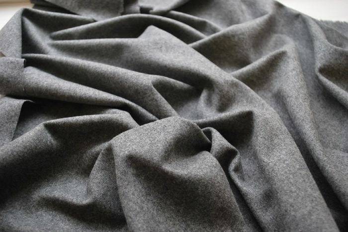 Grey Flannel wool cashmere nylon mix wool suiting fabric w