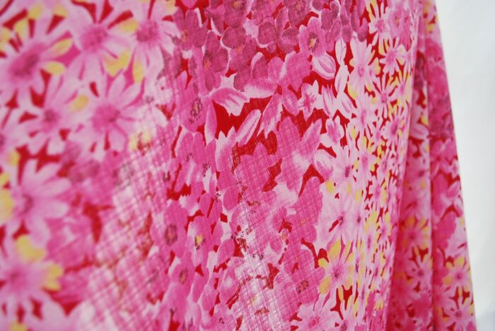 Strawb poly dress fabric pink c