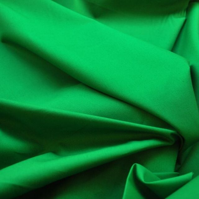 Photography of Plain Dyed Cotton Poplin - Emerald Green