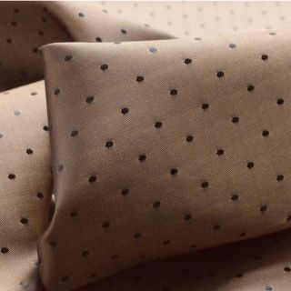Photography of Spotty Lining - Nude/Lilac
