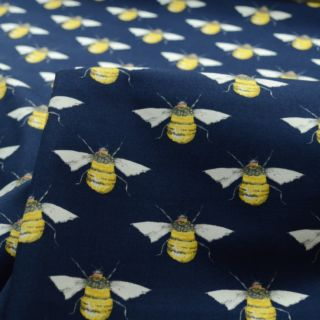 Photography of Poplin Prints - Bumble Navy